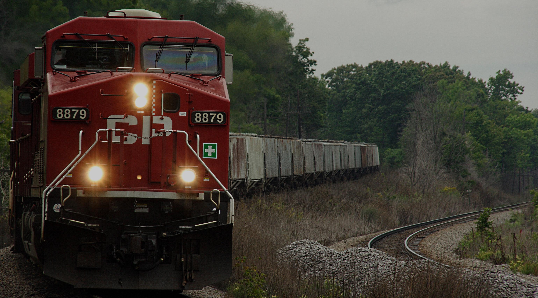 Pervežimai <br/> geležinkelio <br/> transportu <br/>